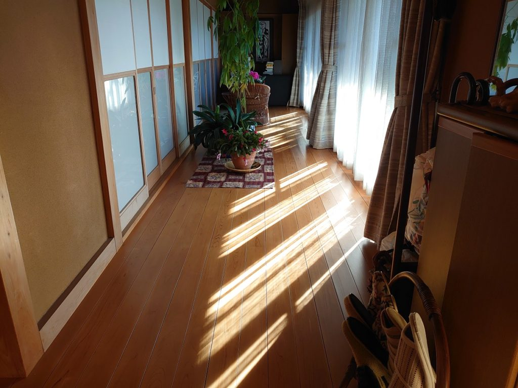 塗装屋による無垢床塗装